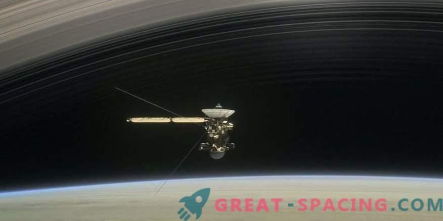 Cassini pirmais vēsturiskais posms starp Saturna gredzeniem